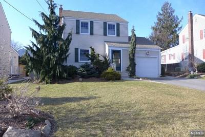 Bergen County Single Family Home For Sale: 209 Kensington Road