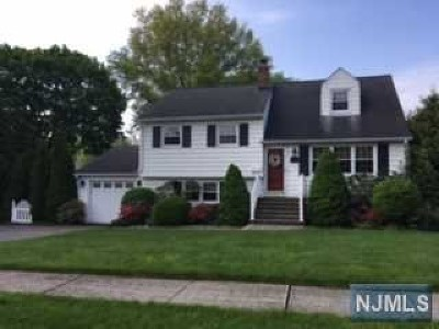 Wayne Single Family Home For Sale: 11 Grantwood Road
