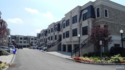 Edgewater NJ Condo/Townhouse For Sale: $999,000