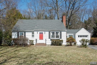 Oradell Single Family Home For Sale: 487 1st Street