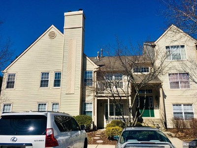 Clifton Condo/Townhouse For Sale: 18 Evergreen Drive #26