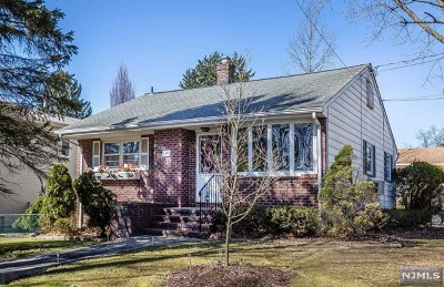 Emerson Single Family Home For Sale: 140 Demarest Avenue