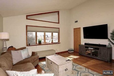 Cliffside Park Condo/Townhouse For Sale: 281 Columbia Avenue #B