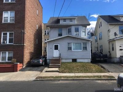 Essex County Multi Family 2-4 For Sale: 824 Stuyvesant Avenue