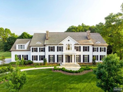 Franklin Lakes Single Family Home For Sale: 5 Mill Brook Lane