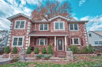 Bergenfield Single Family Home For Sale: 170 South Prospect Avenue