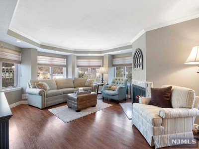 Edgewater Condo/Townhouse For Sale: 514 Ellery Court