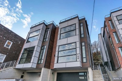 Edgewater Condo/Townhouse For Sale: 156 Undercliff Avenue #A