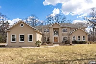 Mahwah Single Family Home For Sale: 3 Morris Avenue