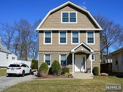 Hillsdale Single Family Home For Sale: 68 Lawrence Street
