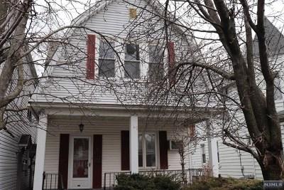 Cliffside Park Single Family Home For Sale: 249 Grant Avenue