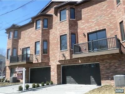 Fort Lee Single Family Home For Sale: 1135 Glen Road