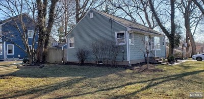 Oakland Single Family Home For Sale: 3 Cornell Place
