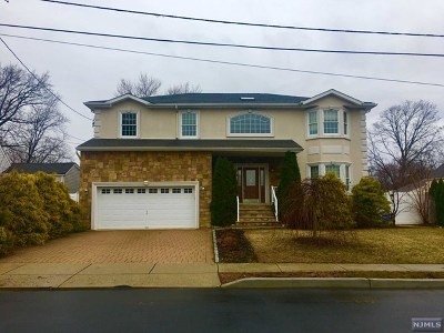 Saddle Brook Single Family Home For Sale: 35 Nedellec Drive