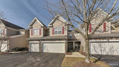Pompton Lakes Condo/Townhouse For Sale: 223 Ridge Drive