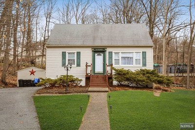 Ringwood Single Family Home For Sale: 16 Wildwood Terrace