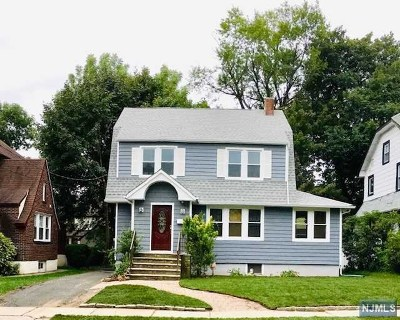 Teaneck Single Family Home For Sale: 184 Grayson Place