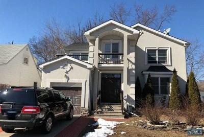 Fair Lawn Single Family Home For Sale: 30-13 High Street