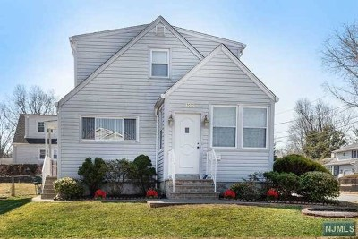 Bergenfield NJ Single Family Home For Sale: $379,000