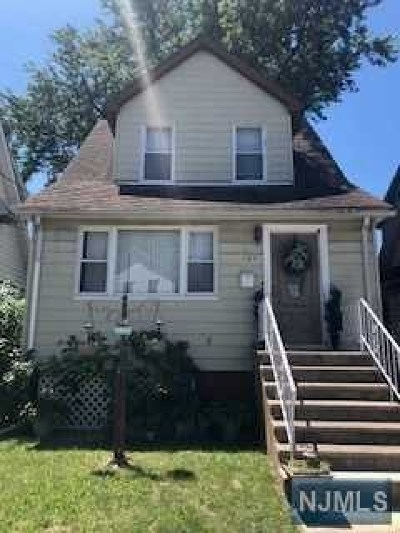 Hackensack NJ Single Family Home For Sale: $259,000