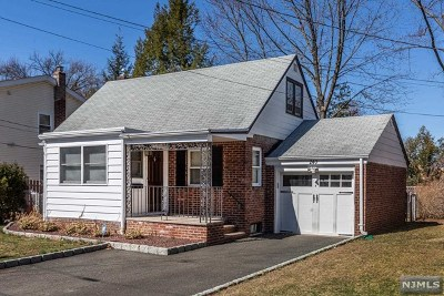 Dumont NJ Single Family Home For Sale: $355,000