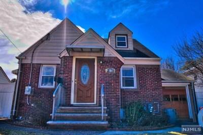 Fair Lawn Single Family Home For Sale: 23-02 Fairmount Place