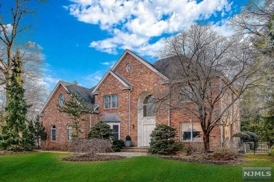 Closter Single Family Home For Sale: 40 Laurence Court