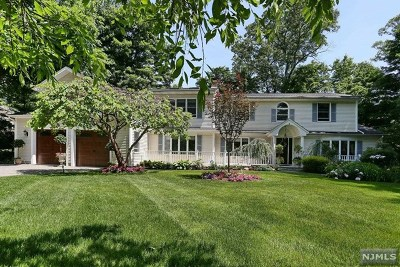 Franklin Lakes Single Family Home For Sale: 591 Spruce Lane