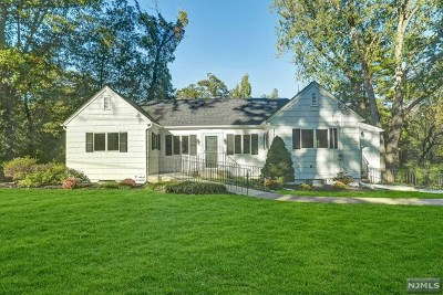 Woodcliff Lake Single Family Home For Sale: 66 Glen Road