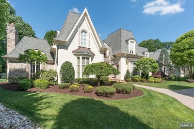 Franklin Lakes Single Family Home For Sale: 105 Greenfield Hill
