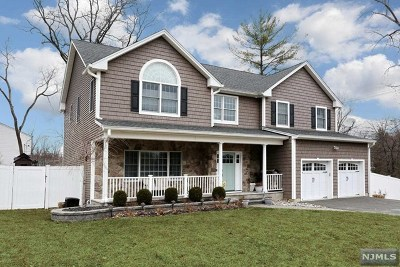 Montvale Single Family Home For Sale: 2 Arthur Court