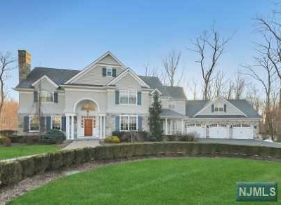 Wyckoff NJ Single Family Home For Sale: $2,349,000
