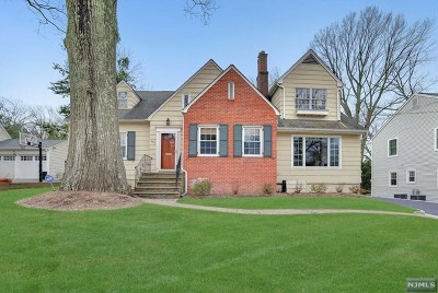 Ridgewood NJ Single Family Home For Sale: $775,000