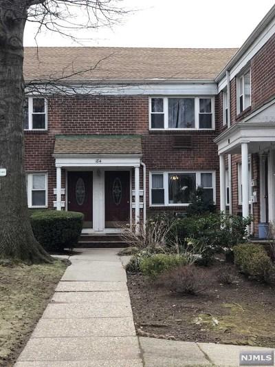 Leonia Condo/Townhouse For Sale: 184 Hillside Avenue #J1