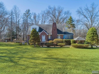 Franklin Lakes Single Family Home For Sale: 570 Franklin Lake Road