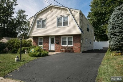 New Milford Single Family Home For Sale: 692 Asbury Street