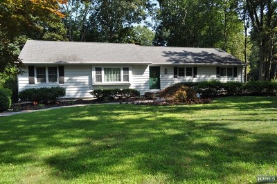 Wyckoff Single Family Home For Sale: 612 Lawlins Road