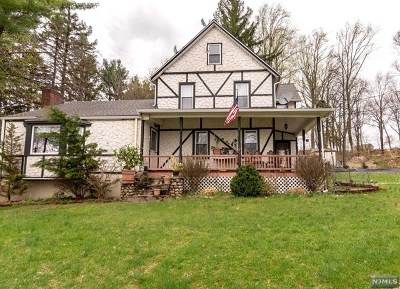 Montvale Single Family Home For Sale: 193 West Grand Avenue