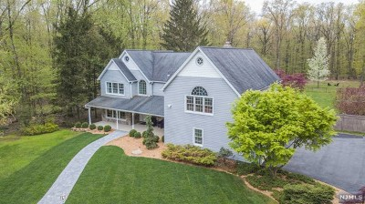 Mahwah Single Family Home For Sale: 8 Airmont Avenue