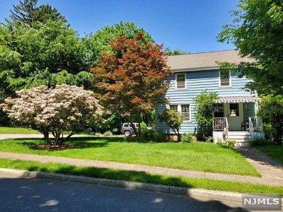 Closter Single Family Home For Sale: 8 Walnut Street