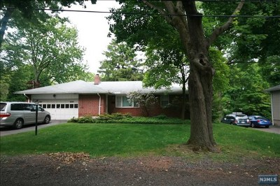 Demarest Single Family Home For Sale: 88 Woodland Road
