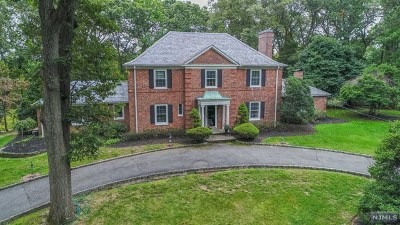 Essex County Single Family Home For Sale: 201 Fells Road
