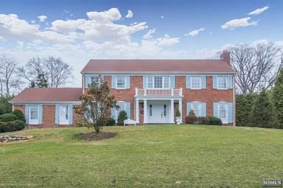 Ridgewood Single Family Home For Sale: 94 North Murray Avenue