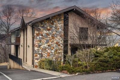 Ridgefield Single Family Home For Sale: 777 Stewart Street