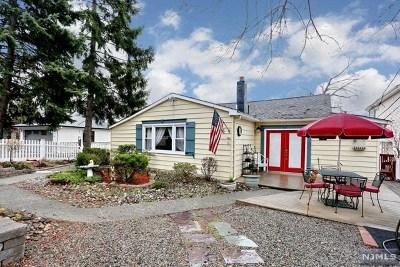 Edgewater Single Family Home For Sale: 6 Vista Lane
