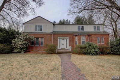 Teaneck Single Family Home For Sale: 36 Lindbergh Boulevard