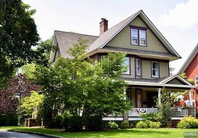 Ridgewood Single Family Home For Sale: 146 South Van Dien Avenue