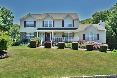 West Milford Single Family Home For Sale: 48 Cherbourg Drive