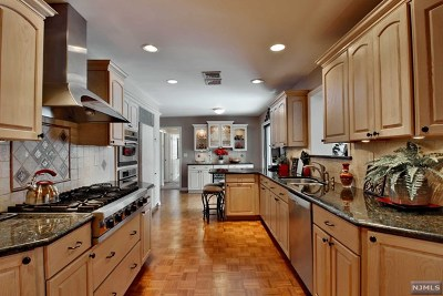 Ramsey Single Family Home For Sale: 43 Shadyside Road
