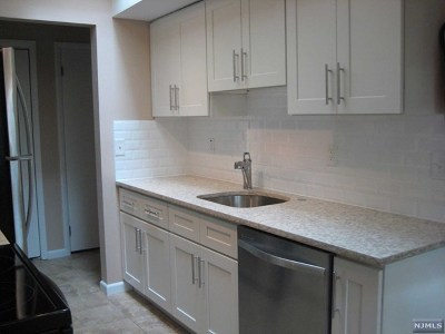 Fort Lee Condo/Townhouse For Sale: 1469 John Street